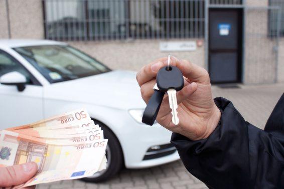 Как не ошибиться при покупке авто с рук?